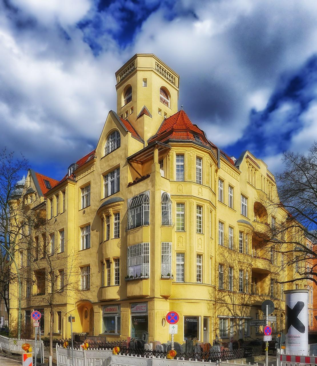berlin-friednau-171137_1280