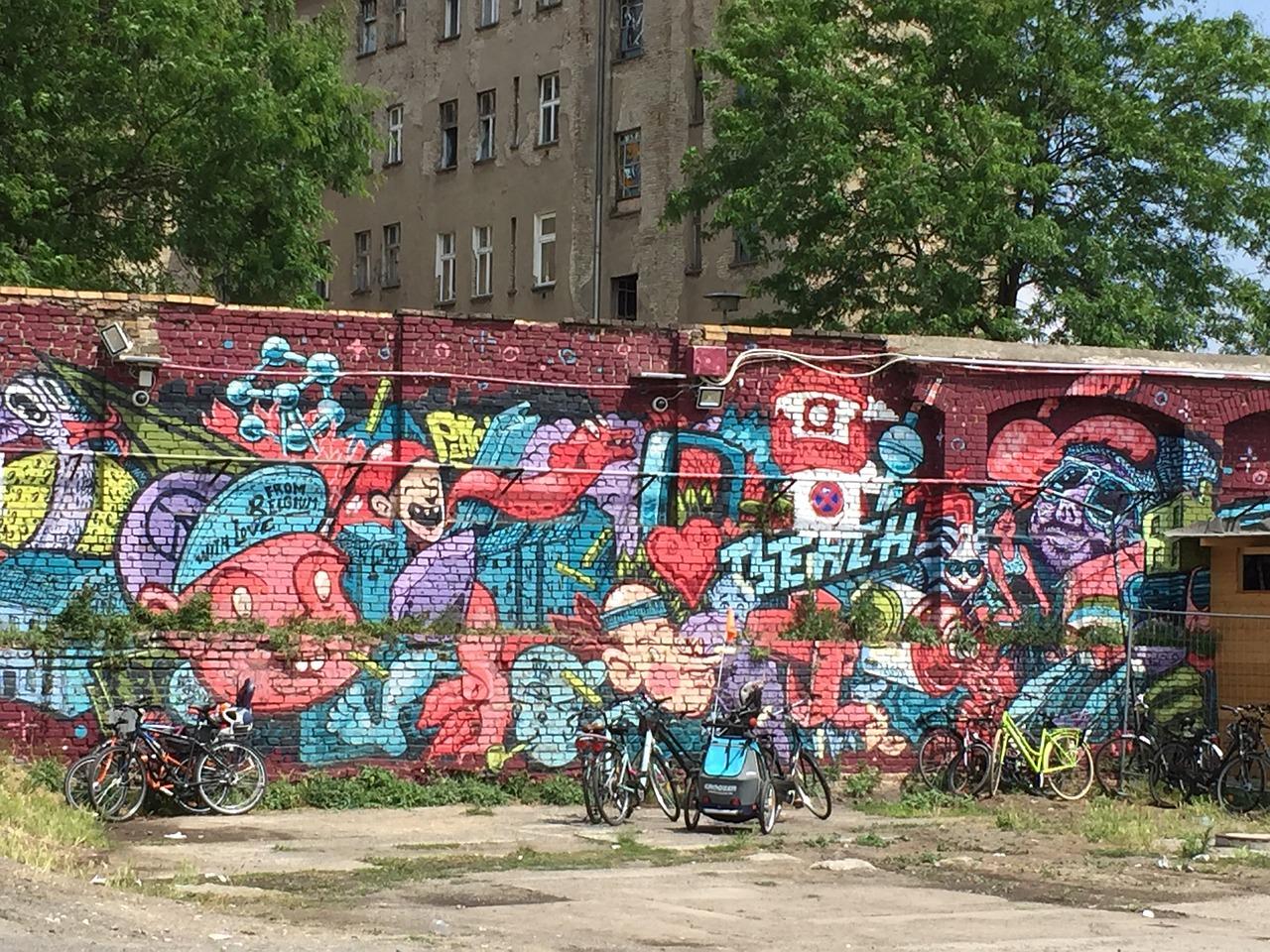 wall-1123866_1280