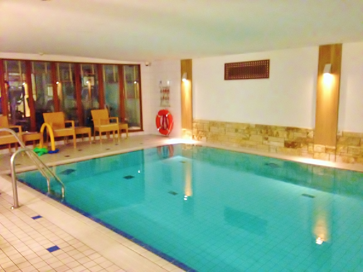 Swimming Pool in the Bremen Radisson Blu